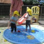 暑い夏は氷や水を使ってたくさん遊びました!